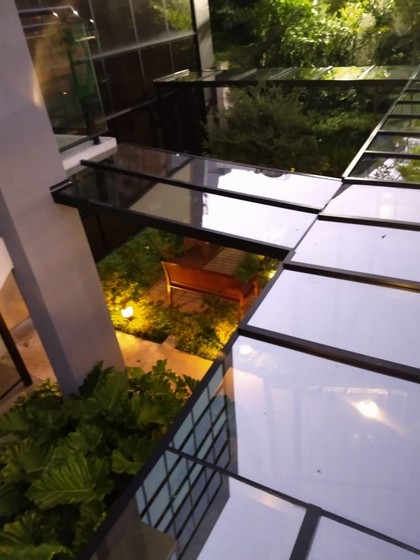 Cobertura de Vidro com Calha Diadema - Cobertura de Vidro Automatizada