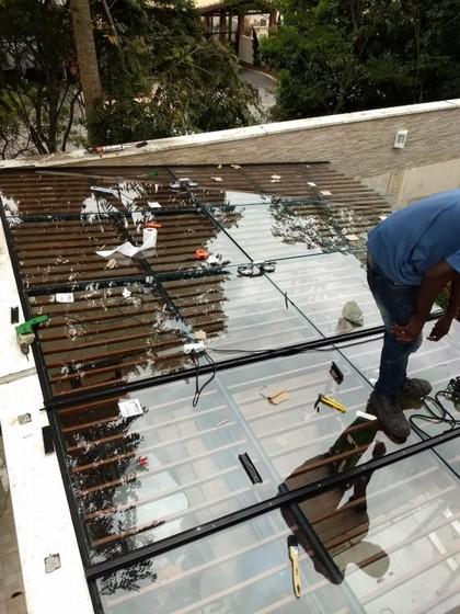 Coberturas de Vidro Garagem Morumbi - Cobertura de Vidro com Abertura