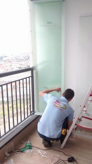 Envidraçamento de Sacada Articulada Custo São Caetano do Sul - Envidraçamento de Sacada Pequena