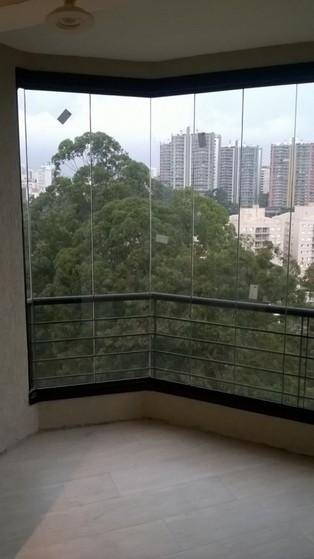 Envidraçamento de Sacada para Apartamento Jabaquara - Envidraçamento de Sacada Pequena