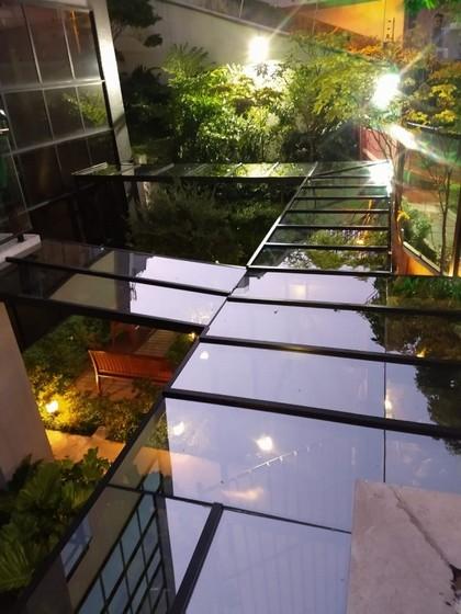 Instalação de Cobertura de Vidro com Película Vila Olímpia - Cobertura de Vidro Automatizada