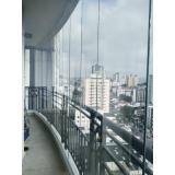 colocação de cortina de vidro na varanda Vila Alzira