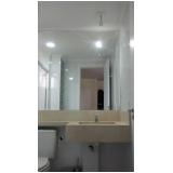 espelhos em banheiro Parque das Jaboticabeiras