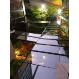 instalação de cobertura de vidro com película Moema